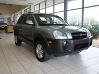 This 2007 Hyundai Tucson has an immaculate interior,