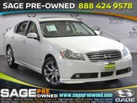 Load your family into the 2007 Infiniti M35! This car