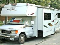 2007 Itasca Spirit 31'. 34,100 miles, one slid. Sleeps