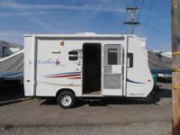 2007 Jayco 17' Hybred Travel Trailer,  fully self