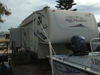I am selling a 07 Jayco Jayflight 5th Wheel model 31.5