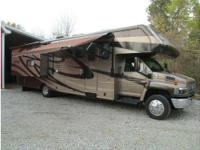 2007 Jayco Seneca HD 36FS, 2 slide outs with awning on