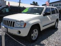 This is an absolutely stunning example of a 2007 Jeep