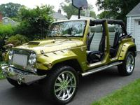 Highly customized fully loaded 2007 Rescue Green Jeep