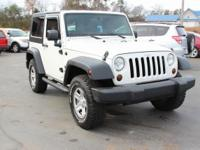 Clean CARFAX. This 2007 Jeep Wrangler X in Stone White