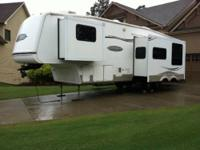 RV Type: Fifth Wheel Year: 2007 Make: Keystone Model: