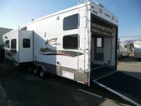 2007 Keystone Raptor RP3712 5th wheel toyhauler. Dry