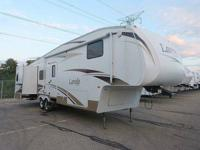 2007 TRIPLE slide out Laredo in excellent condition.
