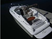 """2007 Larson Cabrio 260 27' long with a 8'10"""" beam"""