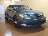 Load your family into the 2007 Lexus LS 460! This