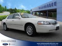 Boasting exemplary craftsmanship, this 2007 Lincoln