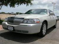 2007 Lincoln Town Car 4dr Car Signature Limited Our