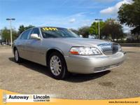 2007 LINCOLN TOWN CAR Our Location is: Autoway Lincoln