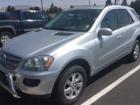 Come see this 2007 Mercedes-Benz M-Class 3.5L. Its