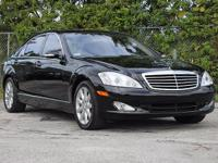 Options:  2007 Mercedes S550 5.5L V8 *** Warranty!