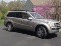 2007 Mercedes-Benz GL-450 Colour: Desert and Silver