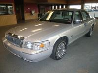 Options Included: N/ANICE LUXURY SEDAN! ONE OWNER! PALM