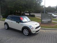 This 2007 MINI Cooper Hardtop 2dr 2dr Cpe S Hatchback