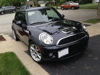 VERY RARE BLACK ON BLACK! 2007 MINI COOPER with an