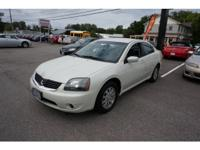 Exterior Color: dover white pearl, Body: Sedan, Engine: