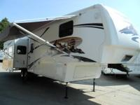 2007 Montana 3400 RL 5th Wheel with 4 Slide-outs Weighs