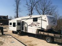2007 Montana 3600RE by Keystone. Very few miles. In