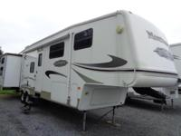 Here's a very nice CLEAN 2007 Montana Mountaineer