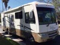2007 National RV Surfside M-DS29A- - This 2007 Surfside