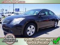 2007 Nissan Altima 4dr Car 2.5 S Our Location is: Dave