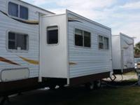 2007 NOMAD RV 40FT SLEEPS 9, IN EXCELLENT CONDITION