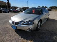 Sophisticated, smart, and stylish, this 2007 Pontiac