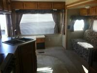2007 PUMA 5th Wheel - 27 Foot - 1 Slide - Awning!