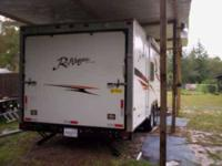 2007 R Vision R Wagon 29 foot Toy Hauler This unit has