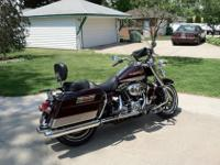 2007 ROAD KING FLHRI. BLACK CHERRY AND SILVER PEWTER,