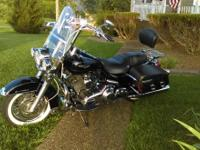 Awesome 2007 Roadking Classic for sale. Vivid black