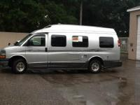 : 2007 Roadtrek 210 Versatile , 100% Garage Kept,