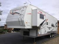 2007 Sandpiper Sport 35 foot Fifth tire Plaything