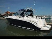 This versatile cruiser features a Kohler 4.0 kW gas