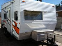 2007 SKYLINE FREESTYLE TOY HAULER, MODEL 187 LTD/Z8, IS