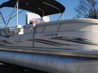 EXTREMELY CLEAN, EXCELLENT CONDITION 2007 SMOKERCRAFT
