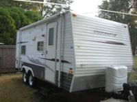 2007 Starcraft 1900DBS Travel Trailer This Starcraft is