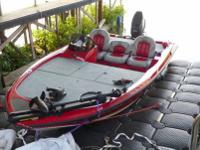This 2007 Stratos 176XT Bass Boat is in excellent