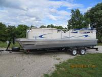 Like new pontoon boat with three pontoons (really