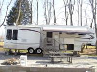 2007 Sunnybrook Titan 34-BWKS, 37 ft. 5th wheel, 3