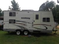 Rear Bath, Tub/Shower, Bunk Beds w/Lower Double Bed,