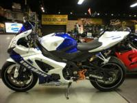 2007 Suzuki GSX-R 1000 in beautiful blue and white with