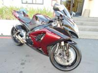 Beautiful spotless 2007 GSXR1000. New tires and brakes