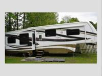 Length: 35 feet Year: 2007 Make: Torrey Pine Model: by