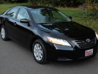 New Price! CARFAX One-Owner. Clean CARFAX. Black 2007