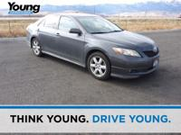 Gray 2007 Toyota Camry SE FWD 6-Speed Automatic
